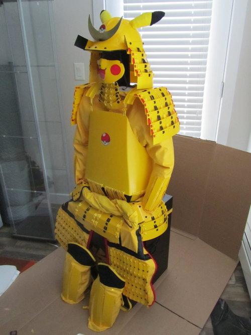 Armadura samurai do pikachu (2)